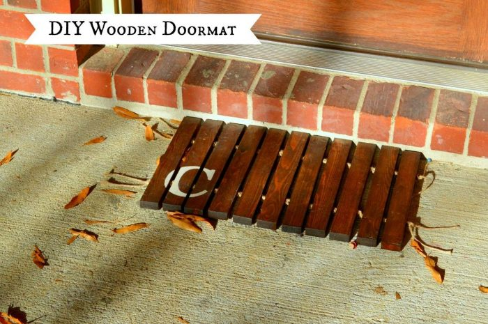 How to Make a Wooden Doormat from 1x2 Boards | LittleRedBrickHouse.com