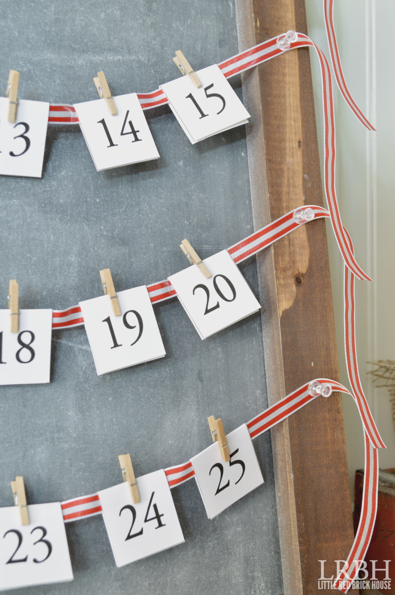Simple Chalkboard Advent Calendar | LITTLE RED BRICK HOUSE
