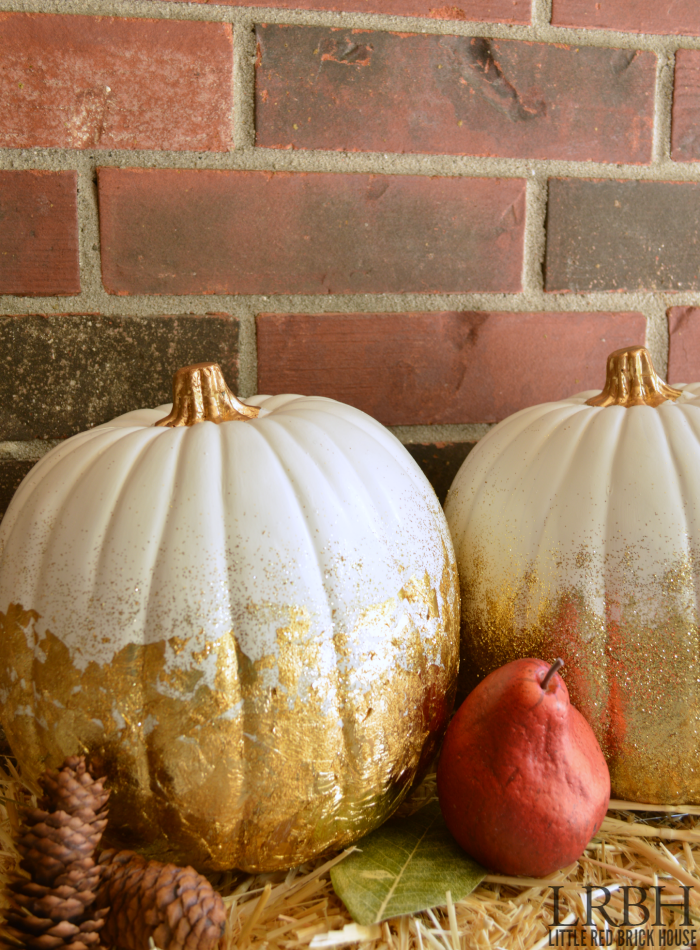 Gold Leaf Pumpkin from Little Red Brick House  |  25 Creative DIY Pumpkins at www.andersonandgrant.com